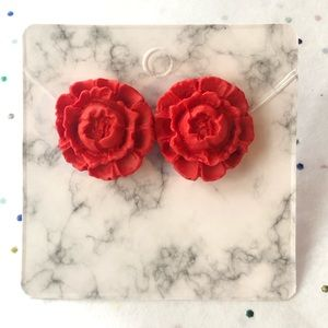 ❤️ large red flower earrings.